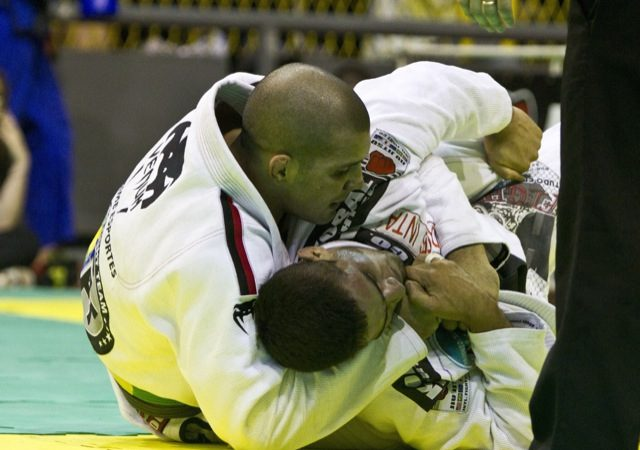 Pegue as costas com a pressão de Rodolfo Vieira no Jiu-Jitsu