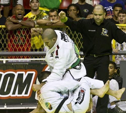 Confira o Jiu-Jitsu campeão de Rodolfo Vieira no Brasileiro de Equipes 2012