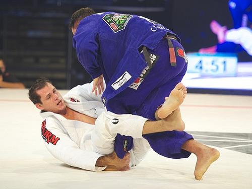 Pegue as costas sem gastar energia no Jiu-Jitsu
