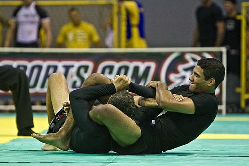 Herbert Burns em ação, no Brasileiro sem Kimono Foto: Gustavo Aragão/GRACIEMAG.com