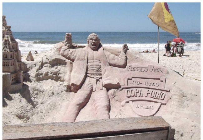 Copa Pódio: Estátua de Rodolfo Vieira ameaçada em Copacabana