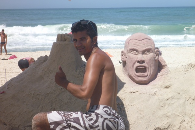 Rodolfo Vieira sand statue takes shape on Copacabana beach