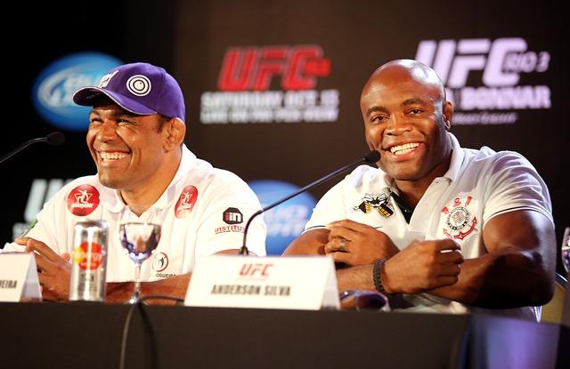 Rodrigo Minotauro e Anderson Silva durante Coletiva Oficial do UFC Rio 3.