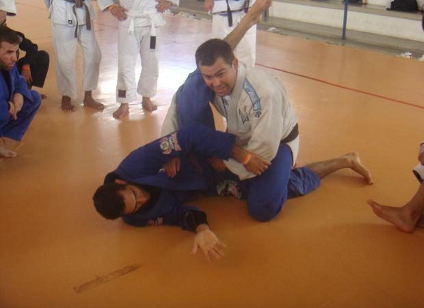 """Amaury Bitetti's """"hug"""" for passing No-Gi guard with"""