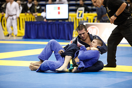 Get up to speed on your lapel chokes, with Michael Langhi