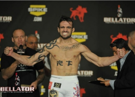 Watch Ricardo Tirloni's arm triangle from the Bellator GP