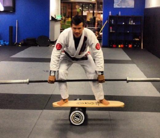 How do you improve balance for Jiu-Jitsu? Watch how Rubens Cobrinha does it