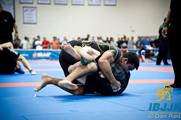 Watch the sweep that took out Pablo Popovitch at the No-Gi Pan