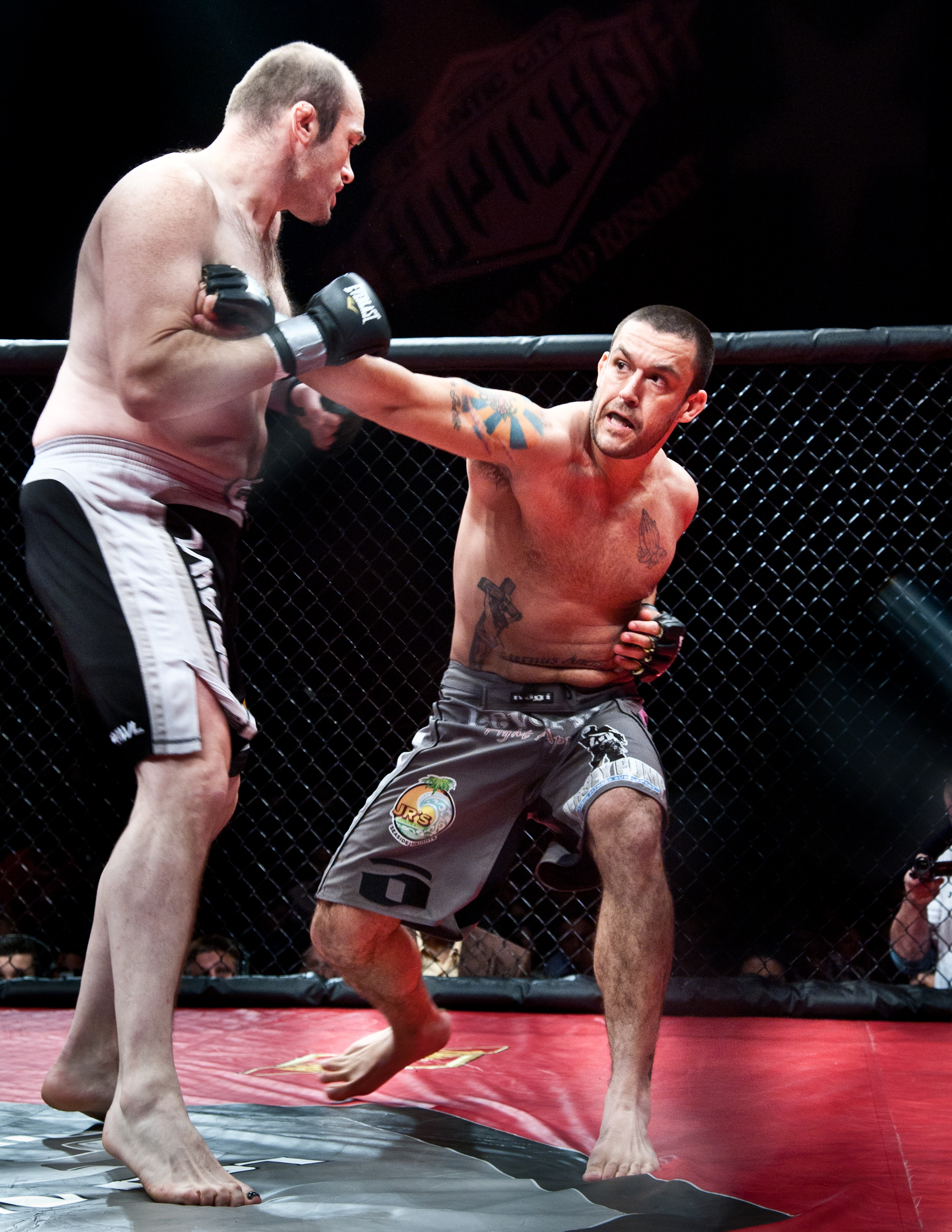Tom DeBlass fighting MMA