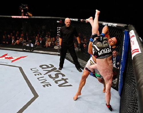 Vídeo: 3 quedas do single-leg para o MMA com Rafael dos Anjos