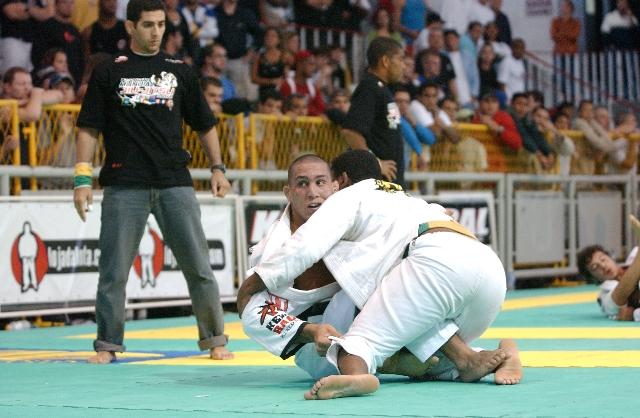 Raphael Abi-Rihan, organizador da Copa América, em ação no Mundial em 2004. Foto:Gustavo Aragão/GRACIEMAG