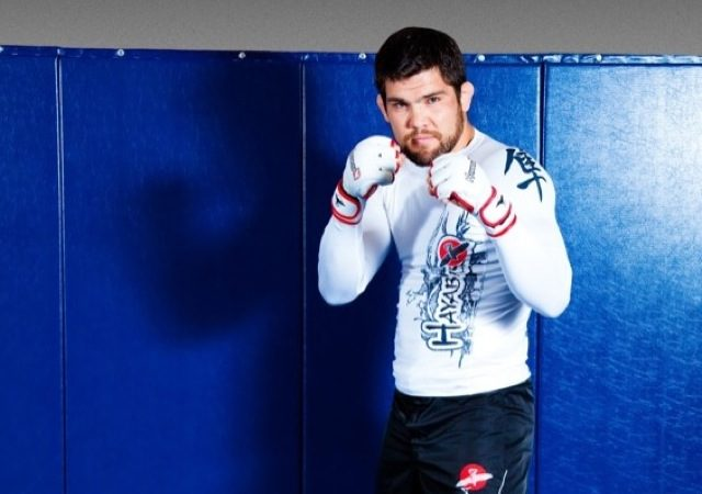 Robert Drysdale finishes from mount and notches 5th MMA win