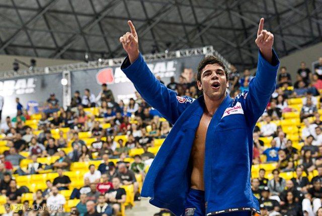 Jiu-Jitsu: O estrangulamento de João Gabriel Rocha no San Antonio Open