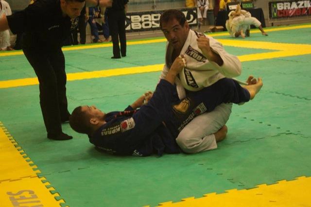 Leo Leite venceu o pesadissimo e o absoluto no Sul Americano 2012 Foto Guilherme Doze