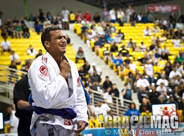 Marcio André, da equipe Nova União no Mundial 2012: estudos avançados sobre guarda, berimbolo e passagens. Foto: Dan Rod/GRACIEMAG