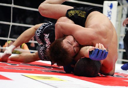 Ex-UFC e Pride volta a lutar no Brasil, e ensina finalização