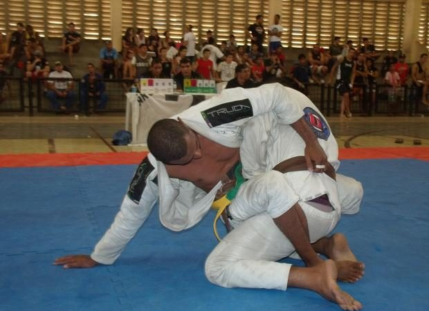 Learn the basic sweep that won absolute gold in Piauí