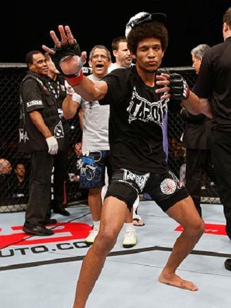 Pose de Bruce Lee, nocaute impiedoso e outras imagens do UFC Macau
