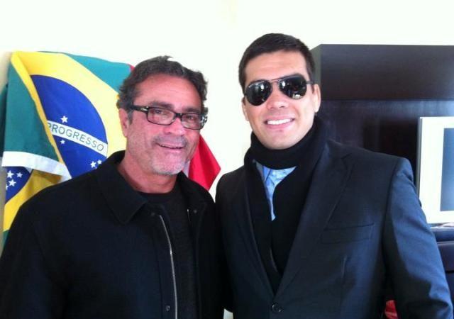 Jorge Guimarães, o Joinha, com Lyoto Machida. Foto: Arquivo Pessoal.