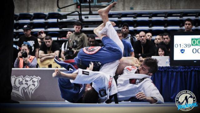 O estilo acrobático dos irmãos Mendes no Jiu-Jitsu