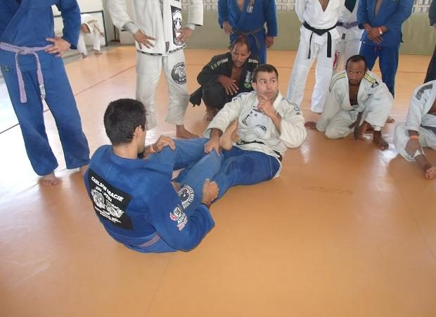 Amaury Bitetti Teaches How to Neutralize 50/50 Guard