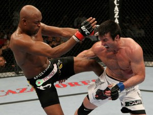 """Anderson e Sonnen na """"luta do século"""" Foto: UFC/Divulgação"""