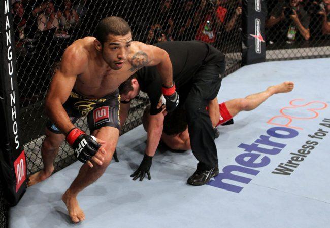 Vídeos: O estilo agressivo de José Aldo, campeão do UFC
