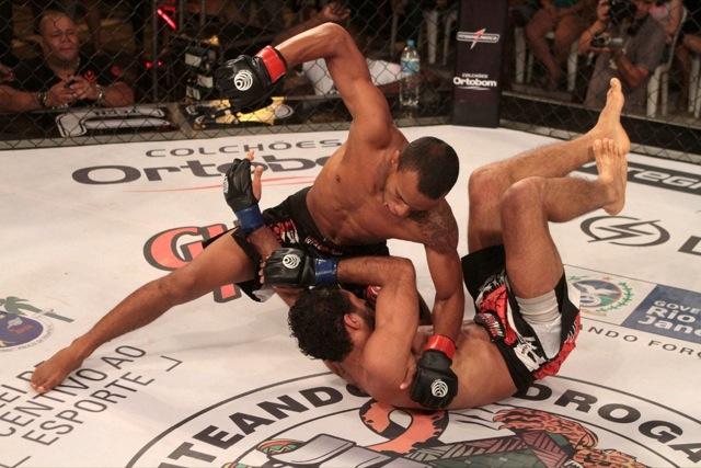 Cabecinha da Mangueira fecha o ano em grande estilo no Jungle Fight