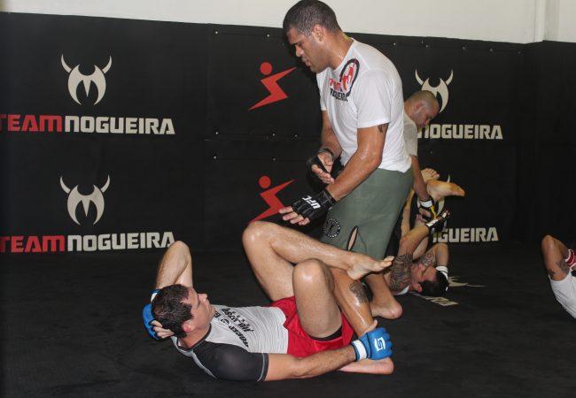 Roger Gracie treina Antonio Pezão no Rio. Foto: Divulgação/Team Nogueira