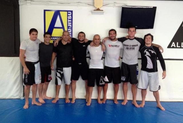 O treino de Roger Gracie na Alliance Rio para o Strikeforce