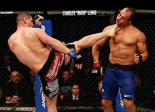 Cigano vs Cain ou Shogun vs Jones? Qual a defesa de cinturão mais desastrosa?