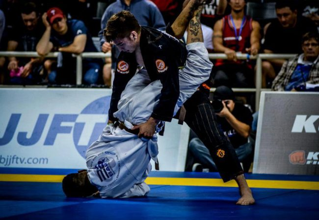 An Exercise to Sharpen up your Guard Pass, with Gianni Grippo