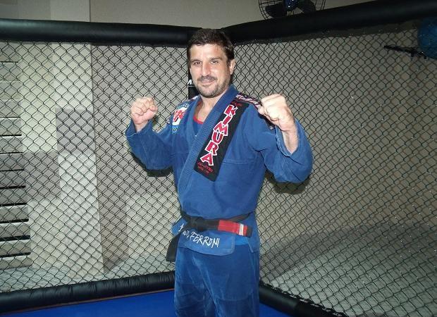Professor das feras do UFC, Jair Lourenço ensina passagem de guarda e como montar