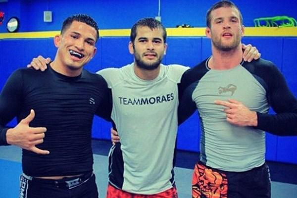 Treinador de Pettis, Diego Moraes analisa o Jiu-Jitsu da luta principal do UFC 164