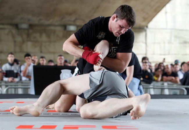 Michael Bisping mostra seu Jiu-Jitsu em treino aberto para o UFC São Paulo