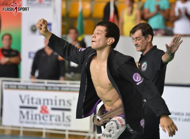 Paulo Miyao e seu berimbolo fizeram sucesso. Foto: Flashsport