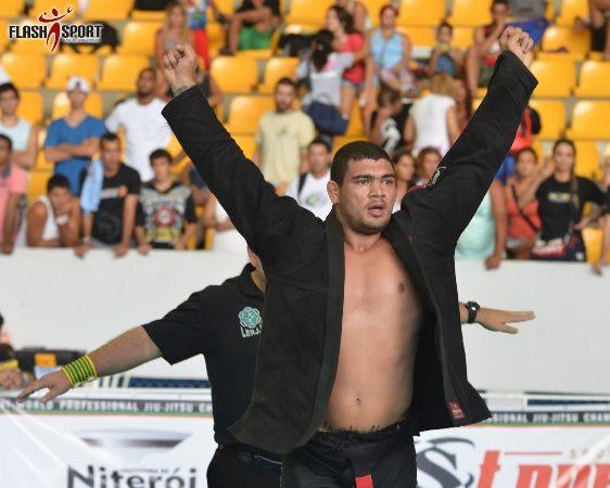 Garantido em Abu Dhabi, Braga Neto destaca coração e jogo indefinido