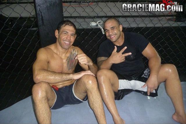 Rogerio Minotouro e Rafael Feijao após treino. Foto: Marcelo Dunlop/GRACIEMAG