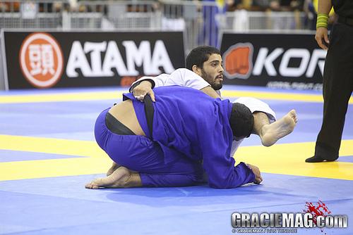 Campeão brasileiro tem ótimo argumento para você matricular os filhos no Jiu-Jitsu