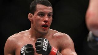 UFC 159: Vinny Magalhães vs. Phil Davis; Roy vs. Kongo