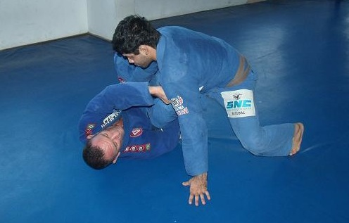 Bruno-Ramos-ensina-raspagem-foto-Junior-Samurai1