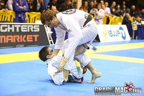 Veja a batalha de raspagens entre o campeão Gui Mendes e Osvaldo Moizinho