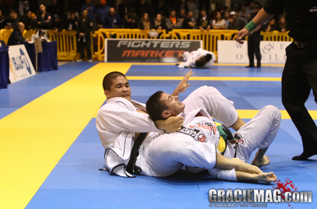 Gustavo Elias chokes Caio Terra for the black belt absolute gold at the San Francisco Open