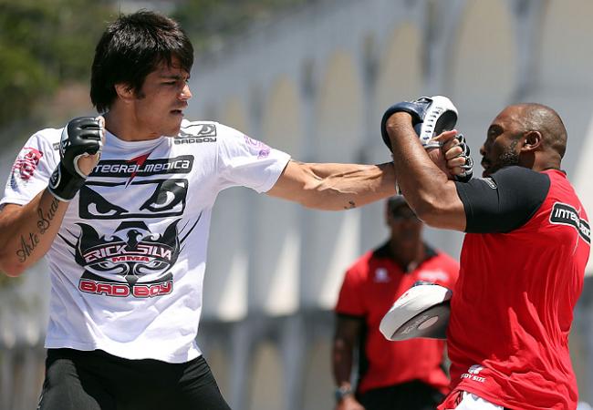 """Erik Silva sobre lutar na final do TUF Brasil 2 : """"Tem um lado bom e um lado ruim"""""""