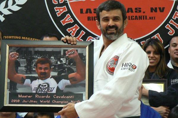 Celebrate Ricardo Cavalcanti's 50th birthday with some De la Riva sweeps