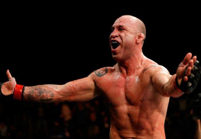 Fantasma das lesões ataca de novo, e Wanderlei é chamado para UFC de sábado