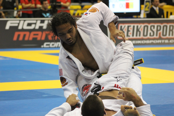 UFC champ Benson Henderson gets to third round at 2013 Pan, says 'whatever' to critics
