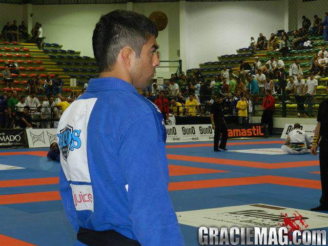 Guto Campos na concentração antes do combate. Foto: Vitor Freitas/GRACIEMAG