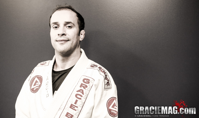 Learn with Marcio Feitosa how to face a wrestler in BJJ