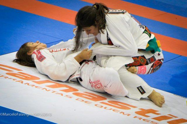 Michelle Nicolini em combate com Talita Treta. Foto: Foto: Marcelo Falavigna/Divulgação